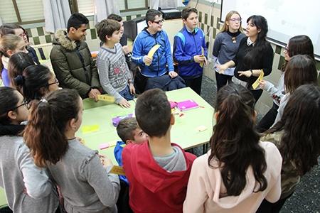 foto de los niños en el proyecto La Caja