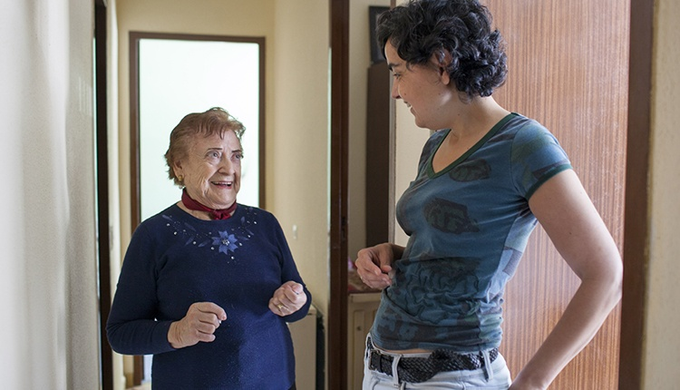 foto de una mujer mayor
