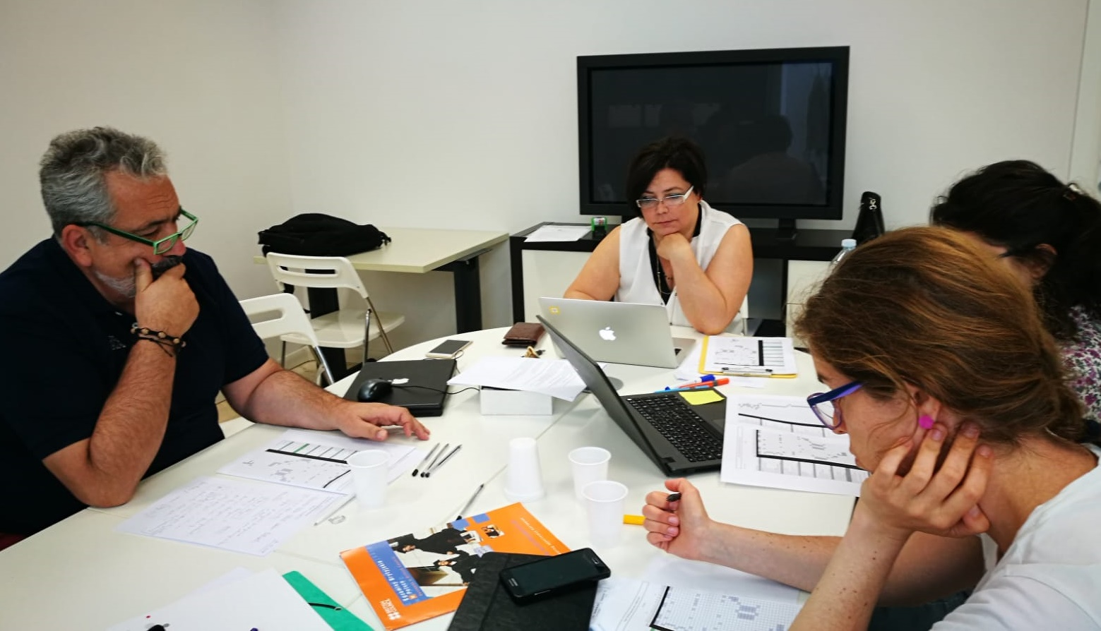 foto de técnicos en proyecto AsitiGames